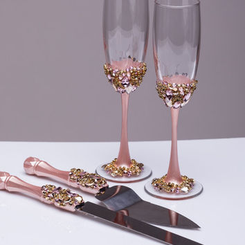 Gold Wedding glasses and Cake Server Set Wedding Cake Knife blush and gold Cake Cutting Set Toasting flutes Champagne glasses gold, set of 4