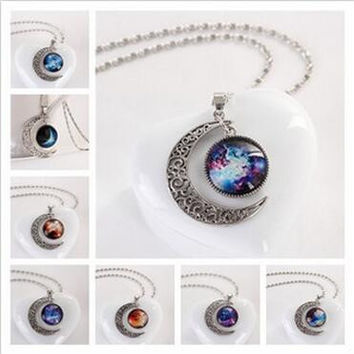 Na1044 Moon Star Time Artificial Synthetic Gemstone Necklace World Warcraft Obsidian Vintage Wicca Crystal Pendant Necklaces
