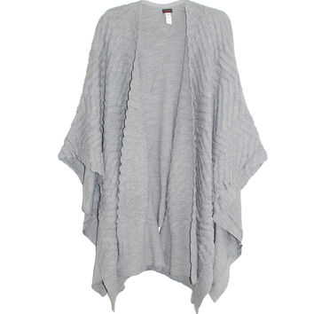 Echo Texture Ruana Wrap in Grey | Les Pommettes