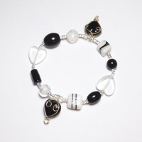 Black and White Heart Glass Sweetheart Valentine Beadwork Stretch Bracelet