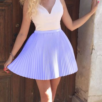 Purple V-neck Strap Pleats Short Homecoming Dresses