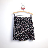 25% OFF STOREWIDE 90s floral mini skirt. revival skirt.