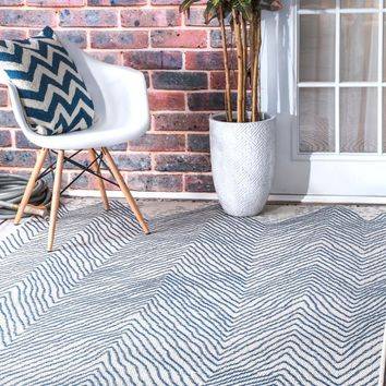 nuLOOM Wavy Chevron Outdoor Area Rug