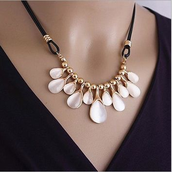 FAMSHIN Overseas companies - Fashion Xi Miya wind opal crystal droplets love flowers clavicle chain short necklace-factory price