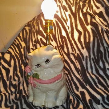 Charming White Persian Kitten Cat Lamp With Lovely Pink Bow, White Persian Cat Lamp