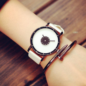 Unisex Leather Watch + Gift Box- 484