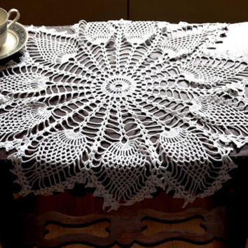 "Vintage Doily, Crocheted Doily, 24""  Round Centerpiece, White Table Topper, Pineapple Pattern Doily, White Crochet Tablecloth, White Linens"