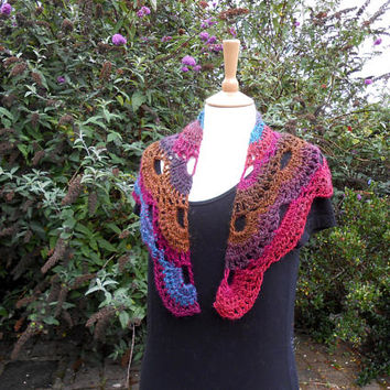 Triangle Scarf. Crochet Shawlette.  Baktus Scarf. Colourful Wrap. Christmas gift for her. Handmade Scarf.  Neck Warmer. Shoulder Wrap.
