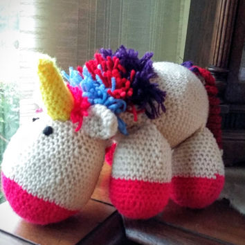 Crochet unicorn amigurumi stuffed toy