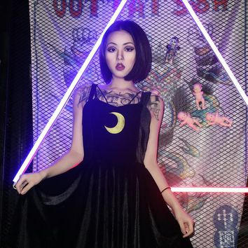 2018 Summer New Arrival Punk Lolita Harajuku Gothic Vintage Sexy Club Moon Embroidered Suspenders V-Neck Black Velvet Dress