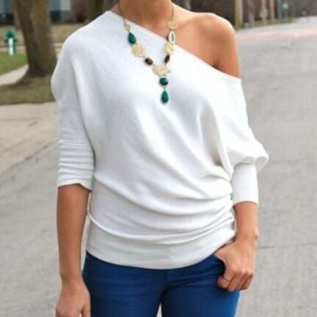 Stylish atmosphere oblique white T-shirt top blouse