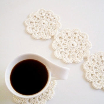 SPECIAL OFFER Wedding table decor Coasters Lace Doilies Bridal Appliques Crochet Motif Placemat Home Party Beach Cotton set of 4 Summer time