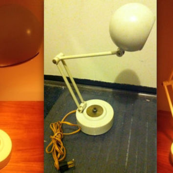 MID CENTURY WHITE Panton Pixar Luxo Lightolier style Eames era space age atomic orb eyeball articulating telescoping metal lamp rare
