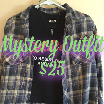 Mystery T-shirt, Cropped T-Shirt, Mystery Flannel, Mystery Choker, Vintage Flannel, Vintage Shirt, Grunge Outfit