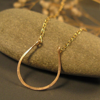 Horseshoe necklace in 14k gold filled, lucky charm necklace, horseshoe jewelry