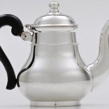 5 Cup Silver Plated with Black Bakelite Handle Teapot