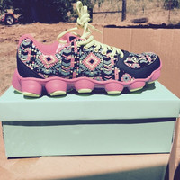 Aztec Neon running shoes