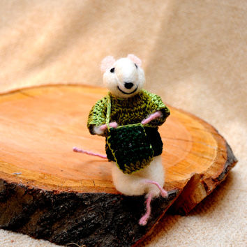 Felt mouse Cute little mouse with lavender bag!  - Adorable one of a kind needle felted mouse!