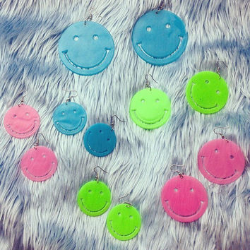 90's Glow in the Dark UV Smiley Face Earrings