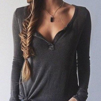 Gray V-Neck Long-Sleeved Knit T-Shirt