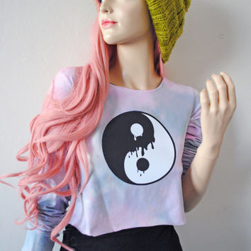 Dripping Yin Yang Dye Crop