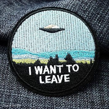 UFO (Size:7.6x7.6cm) Cloth Patch Badge Embroidered Cute Badges Hippie Iron On Kids Cartoon Patches For Clothes Stickers