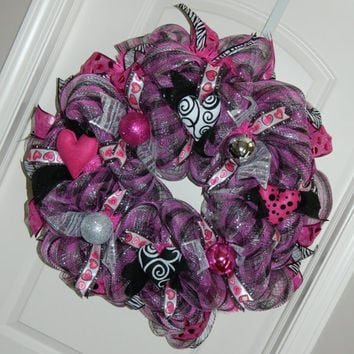 Valentine Deco Mesh Wreath, Pink Silver Black Valentine Wreath, Valentine Decor, Pink Black Valentines Day Wreath, Valentine Heart Wreath