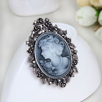 Fashion Vintage Jewelry Cameo Brooch Pin Beauty Queen Crystal Rhinestone Christmas Brooch Antique Gold Silver For Women Cheap