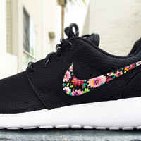 Nike Roshe Custom Floral design for Women, pink bouquet, lilac flower design with bronze tones