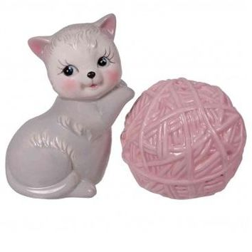 Kitten & Yarn Salt & Pepper Shaker Set