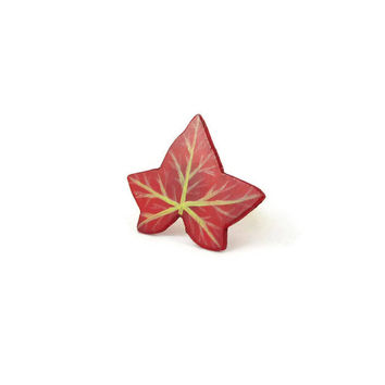 Red ivy leaf adjustable ring, eco-friendly burgundy ivy leaf fashion ring, fall fancy ring, woodland painted plastic ring (recycled CD)