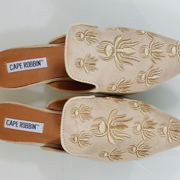 CR Pointy Toe Nude Vegan Suede Flats Mules Clog Embroidered Bee Design Slippers