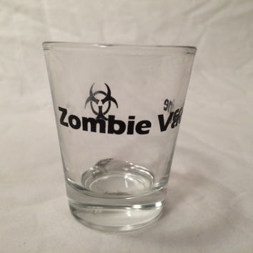 Walking Dead set of drinking game shot glasses Zombie Vaccine ( set of two )
