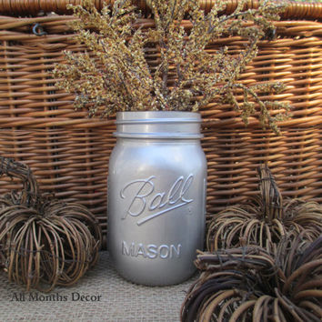1 Painted Mason Jar, Silver or Gold, One Pint, Christmas Holiday Home Wedding Bridal Decorations, Gifts Rustic Shabby Chic Baby Shower Vase