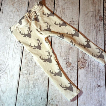 Cream / Gray Buck Print Leggings