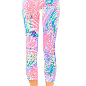 UPF 50+ Luxletic Weekender Cropped Legging | 27371 | Lilly Pulitzer
