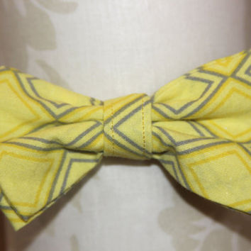 Yellow Grey Diamond Adjustable Bowtie (Baby / Infant / Toddler Boy)
