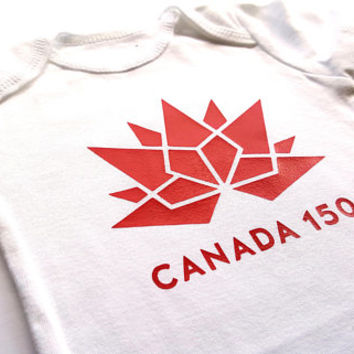 Happy Canada Day bodysuit, Canada 150, baby boy girl, baby clothes, cute baby, maple leaf, birthday, adorable