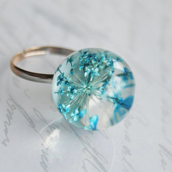 Mini Real Flower Ring Blue Queen Anne's Lace Resin Ball Orb Globe Pressed Flower Jewelry Crystal Clear Petite Dainty Gift for Her