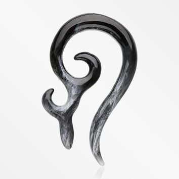 A Pair of Devil's Horn Acrylic Ear Gauge Taper Hanger