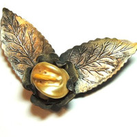 Antique Pearl Brooch Wings C-Hook Leaf Pin Baroque Pearl (sn 688)