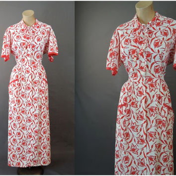 Vintage 1940s Red and White Floral Dressing Gown, fits 38 bust, 30 waist - John Wolf Textiles, cotton
