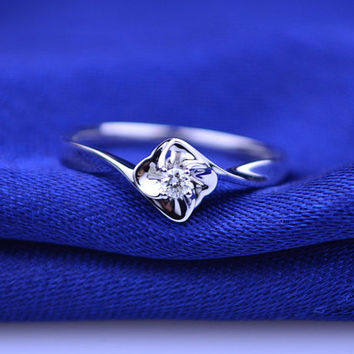 Four-Leaf Clover Solitaire Diamond 18k White Gold Ring Band Engagement Wedding Birthday Anniversary Valentine's