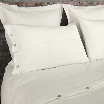 Shell Buttoned Linen Pillowcases Chalk