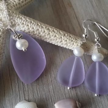 "Handmade in Hawaii, ""Magical Color Changing"" Purple sea glass necklace + earrings jewelry set, Freshwater pearl."