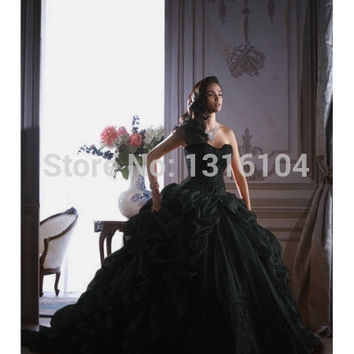 Antique Black Bridal Gowns Colorful Ball Gown With Train Sweetheart Organza Gothic Wedding Dresses