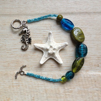 Seahorse Bracelet, Seahorse Charm on Blue and Green Glass Beaded Bracelet, Beach Jewelry, Ocean Jewelry