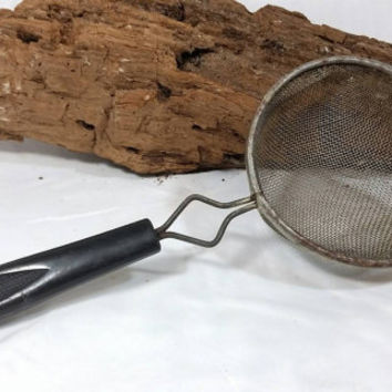 Vintage Rustic Strainer/Cottage Chic Decor Strainer/Country Rustic Kitchen Decor Strainer/Plastic Handle Vintage Strainer