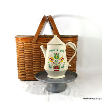 Dutch Folk Cookie Jar, Teapot Shaped Storage Jar, Vintage McCoy Ceramic