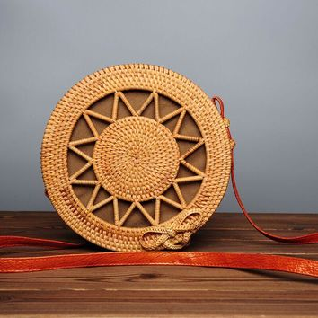 2017 Luxury Designer Women Round bamboo bag Summer Straw Bag Travel Clutch Women Famous Brand Luxe Beach Bag for Bamboo Handbags